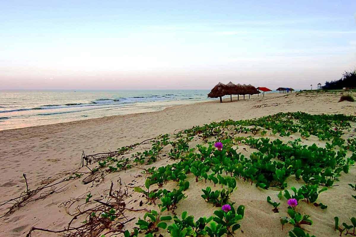 Deserted Nhat Le beach, near Dong Hoi, Vietnam