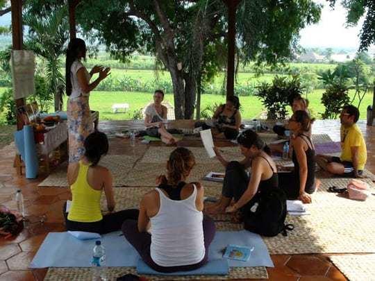3. wlya yoga