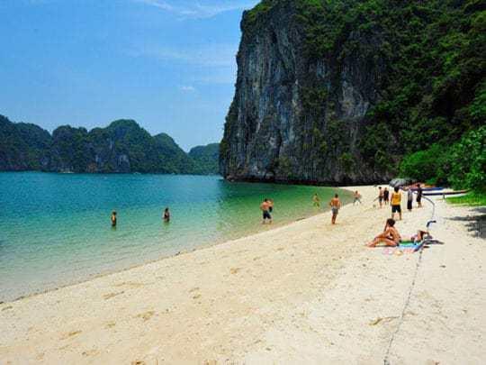 Halong-Bay-Castaways-Island