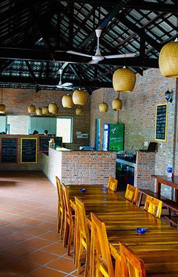 Mui Ne Backpacker Village South East Asia Best Hostel Restaurant