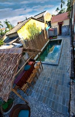 Sleepy Gecko Best Hostel Hoi An Vietnam South East Asia Backpacker Pool High