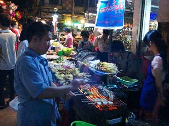 19 street barbecue - Myanmar Travel Essentials
