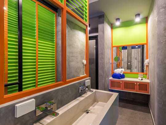 Modern Bathrooms at iSanook Hostel, Bangkok