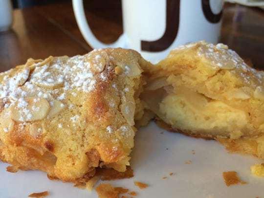Almond croissant Joma