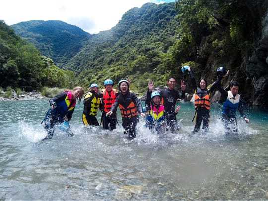 2 River trekking Taiwan