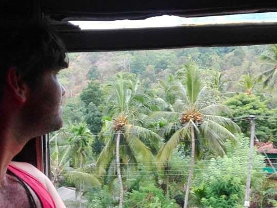 train-travel-sri-lanka