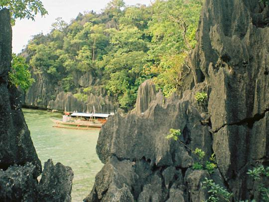 10 Unmissable Places in Palawan 7-barracuda-lake-coron
