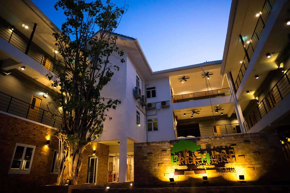 10 Things That Make a Hostel Great! (Review: Brick House Hostel, Chiang Mai)