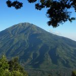 Tackling Indonesia's Active Volcano: A Backpacker's hike to Mount Bromo
