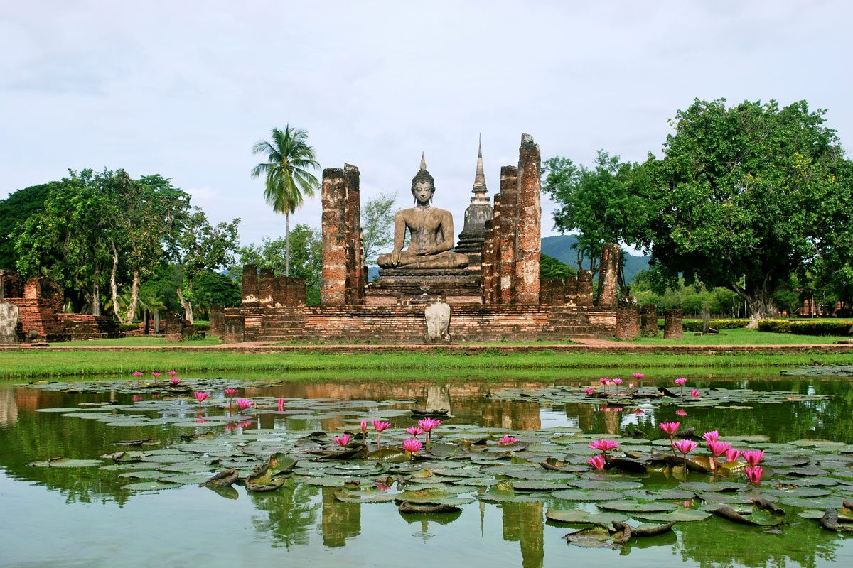 Sukhothai Vs Ayutthaya – How Do You Choose Which UNESCO Site To Visit?