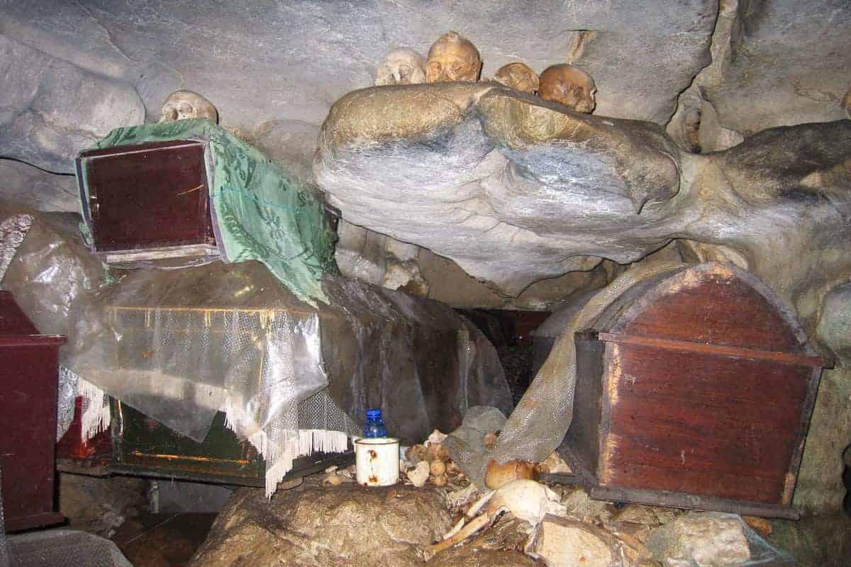 Caves-Sulawesi-Indonesia