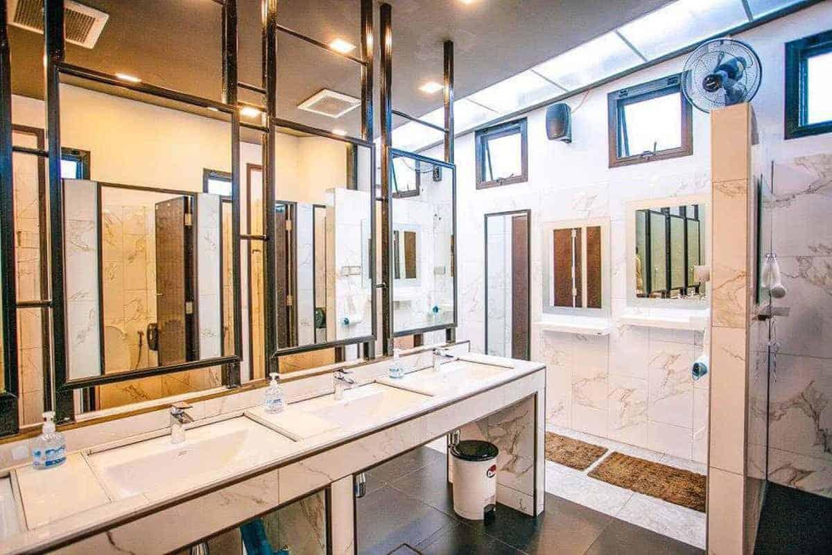D-Well-bathrooms