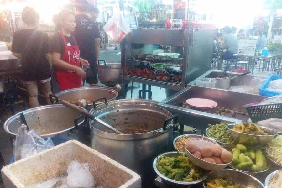Huai Khwang Night Market.