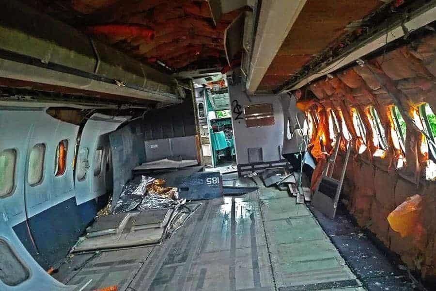 Inside-MD-82-at-the-aeroplane-graveyard,-Bangkok,-Thailand