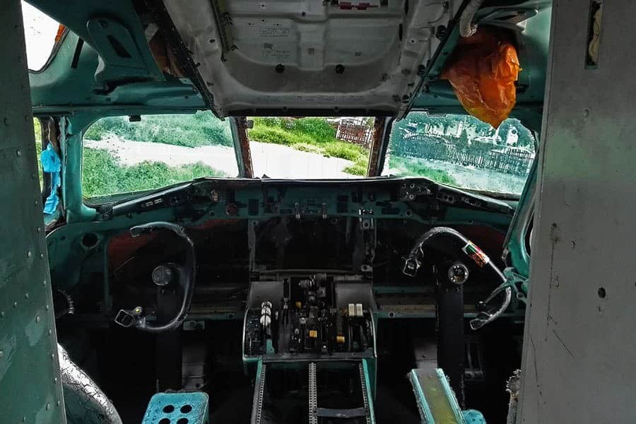 Inside-the-cockpit-of-an-MD-82-at-Bangkok's-aeroplane-graveyard