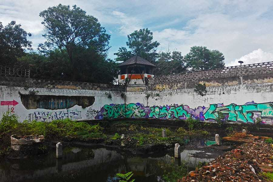 The-watchtower-at-the-abandoned-women's-prison,-Chiang-Mai