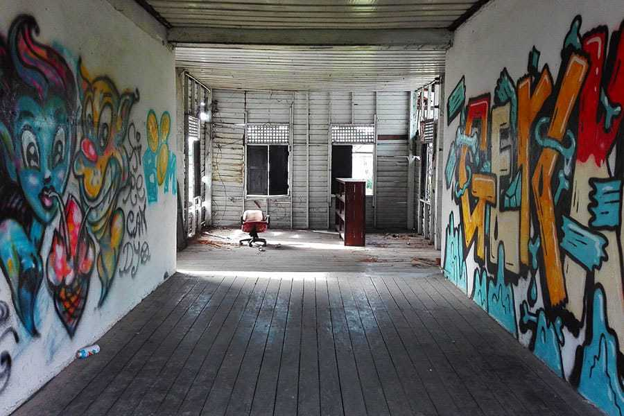 Upstairs-in-the-office-area-at-the-abandoned-women's-prison,-Chiang-Mai