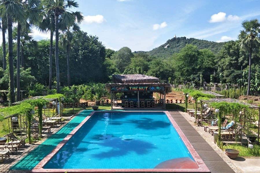 The swimming pool and bar at Myanmar Han Hotel, Bagan