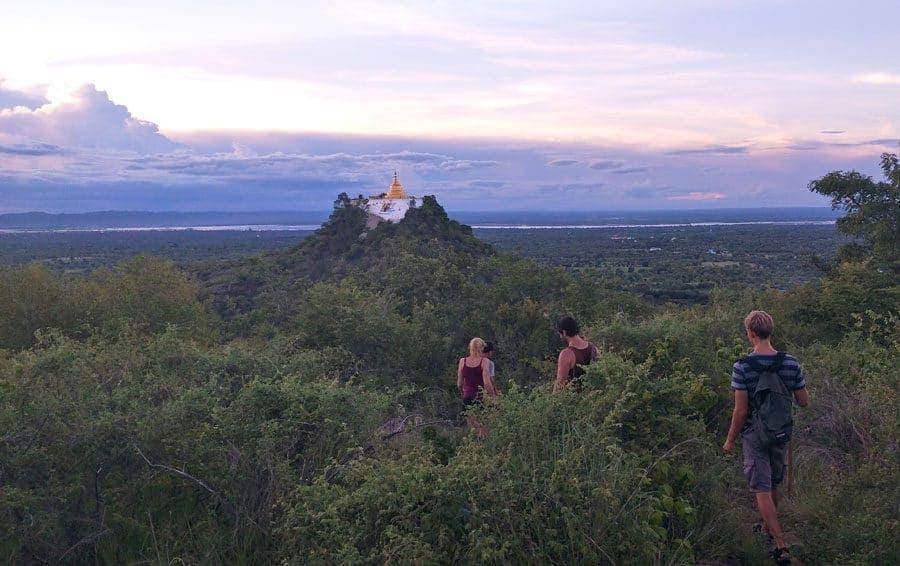 Tu Yin Taung Pagoda Trek Bagan, Myanmar.