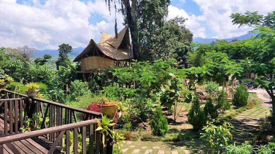 The garden at Little Eco Lodge, Inle Lake