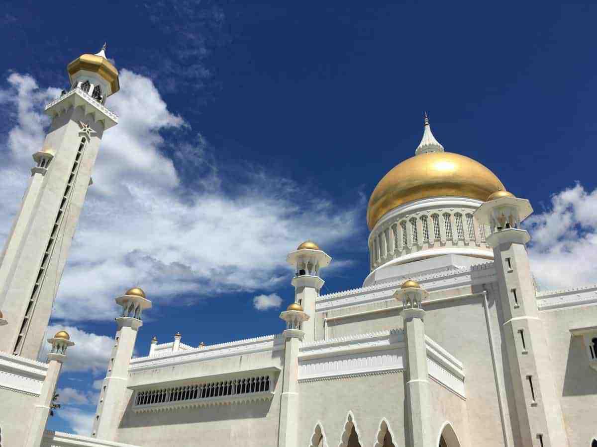 Omar Ali Saifuddien Mosque in Brunei Darussalam.