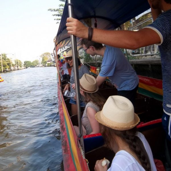 Bangkok Ferry Ride - Tour Thailand