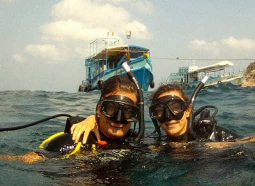 Roctopus SSI Master - Two divers in the sea