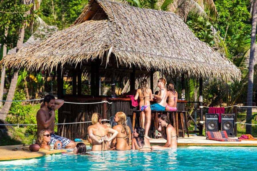 Pool-Side Bar, Shiralea Backpackers Hostel, Koh Phangan