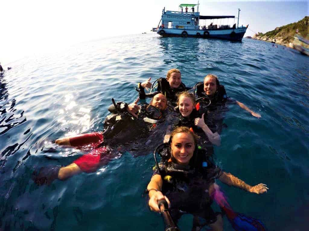 Koh tao diving accommodation bookings diving guide