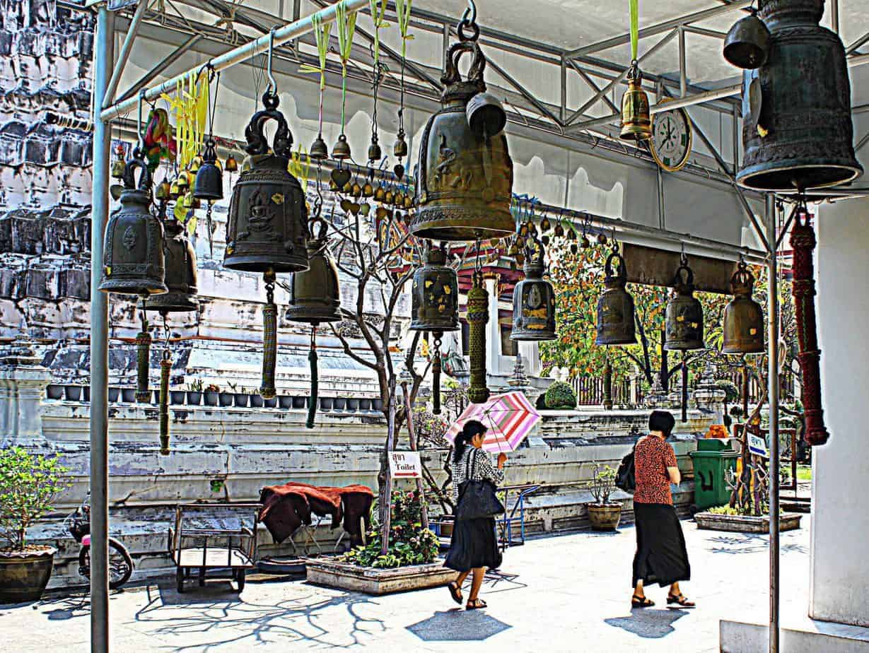 The bells of Wat Rakhang.