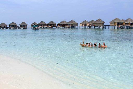 Travel to the beautiful Maldives!