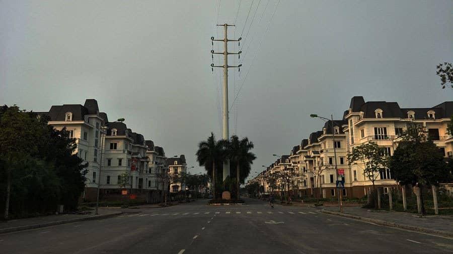 The main road at Lideco Bac 32