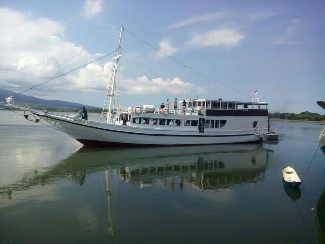 Wanua Adventures Boat Lombok to Flores