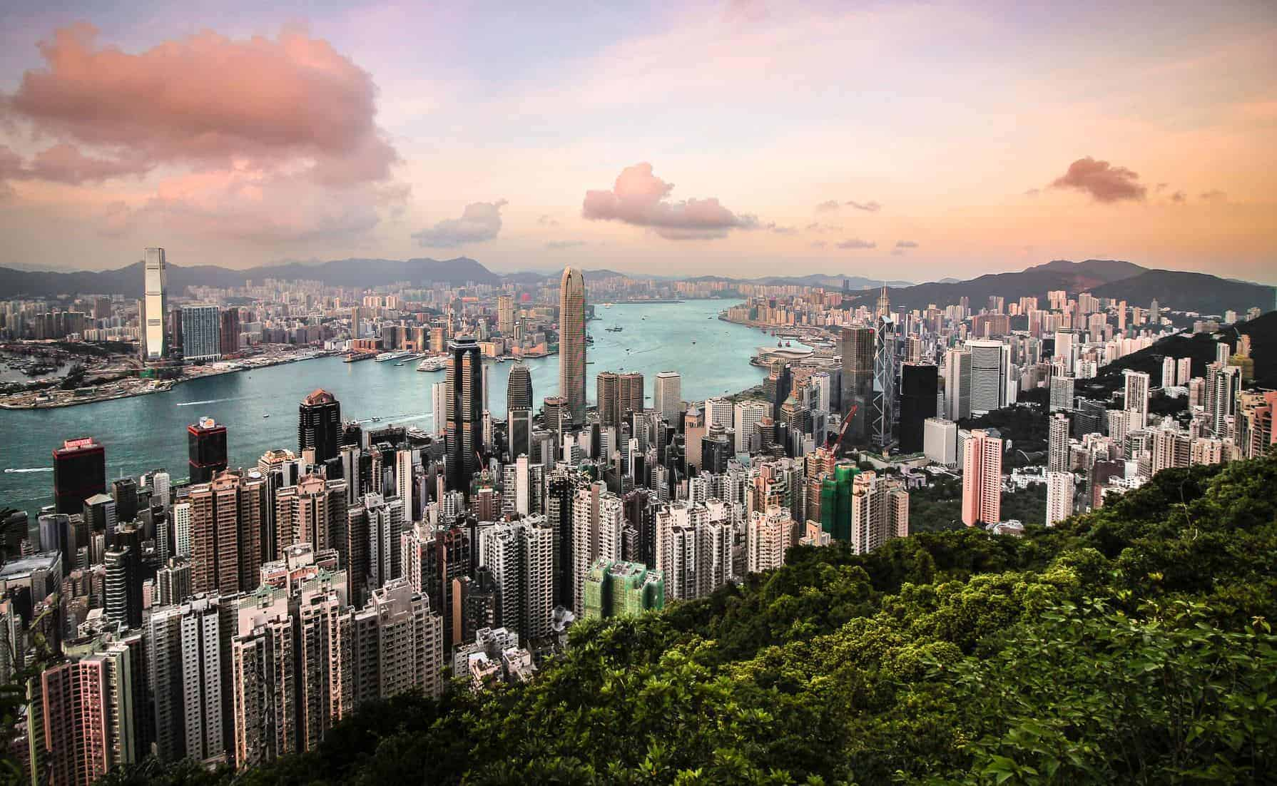 The spectacular sprawl of Hong Kong by Florian Wehde.