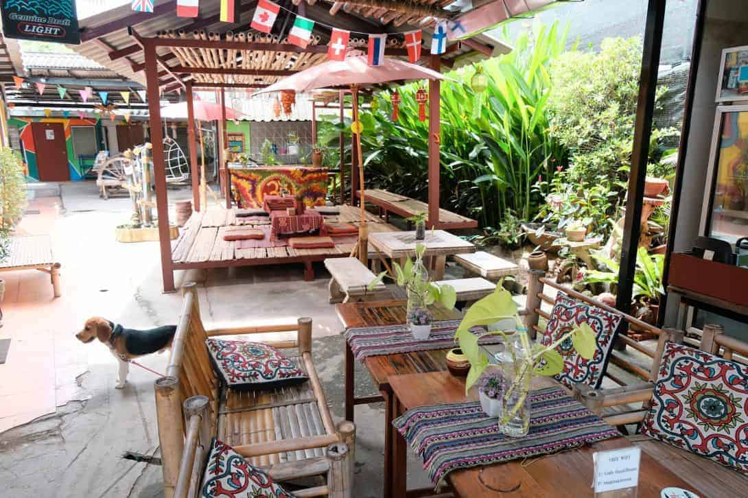 Cody Guesthouse - A Chiang Mai Guest House that's cheap, cheerful and in a great area!