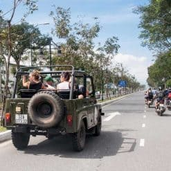 Make new friends on the Hai Van Pass Jeep Tour