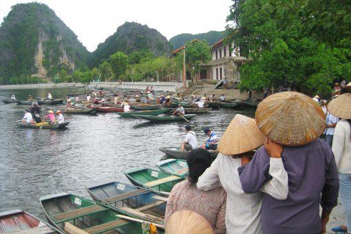 Tam Coc Lake, Ning Binh