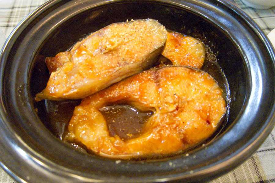 Ca_kho_to-Braised-catfish-in-a-claypot