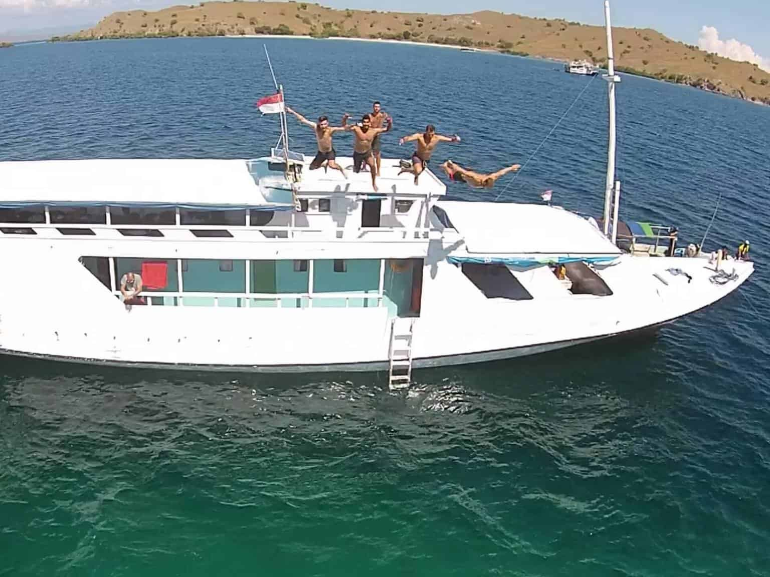 Lombok to Flores Boat Trip | 4 Days | LOMBOK, INDONESIA