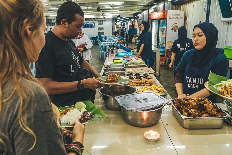 Buying Nasi Lemak in Nasi Lemak Wanjo