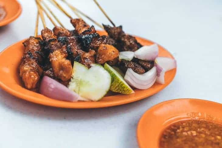 Satay Skewers with Crunchy Peanut Sauce!