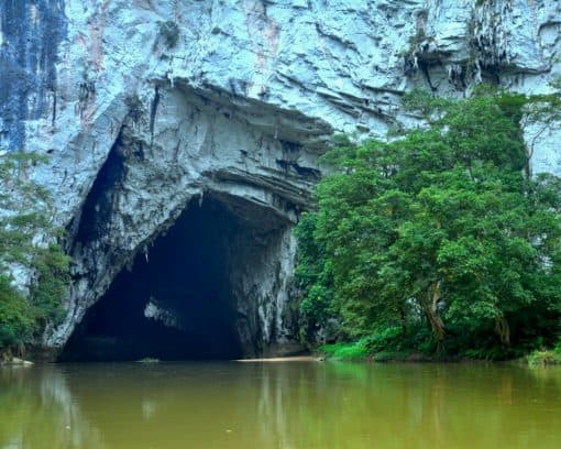 Puong Cave Ba Be Lake