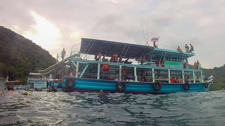 Oxygen Snorkeling boat.