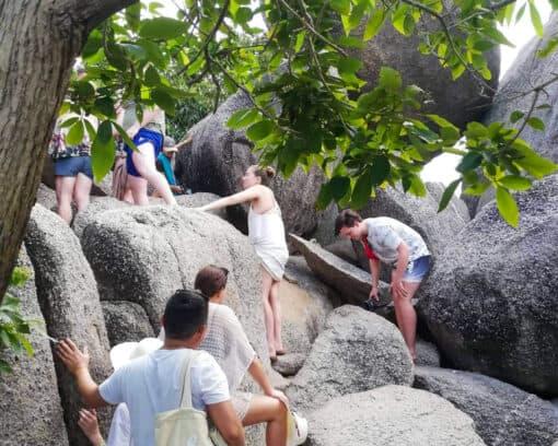 Backpackers climbing to Nang Yuan viewpoint.