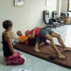 Observing Thai massage