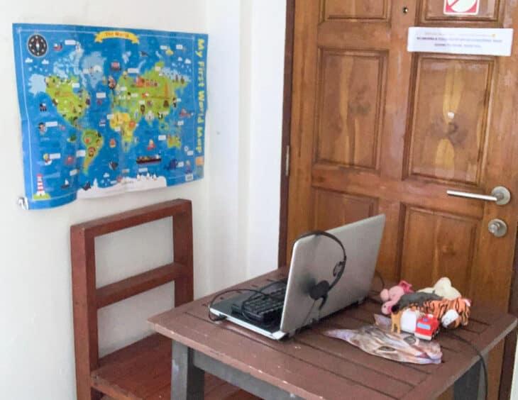 Travel classroom