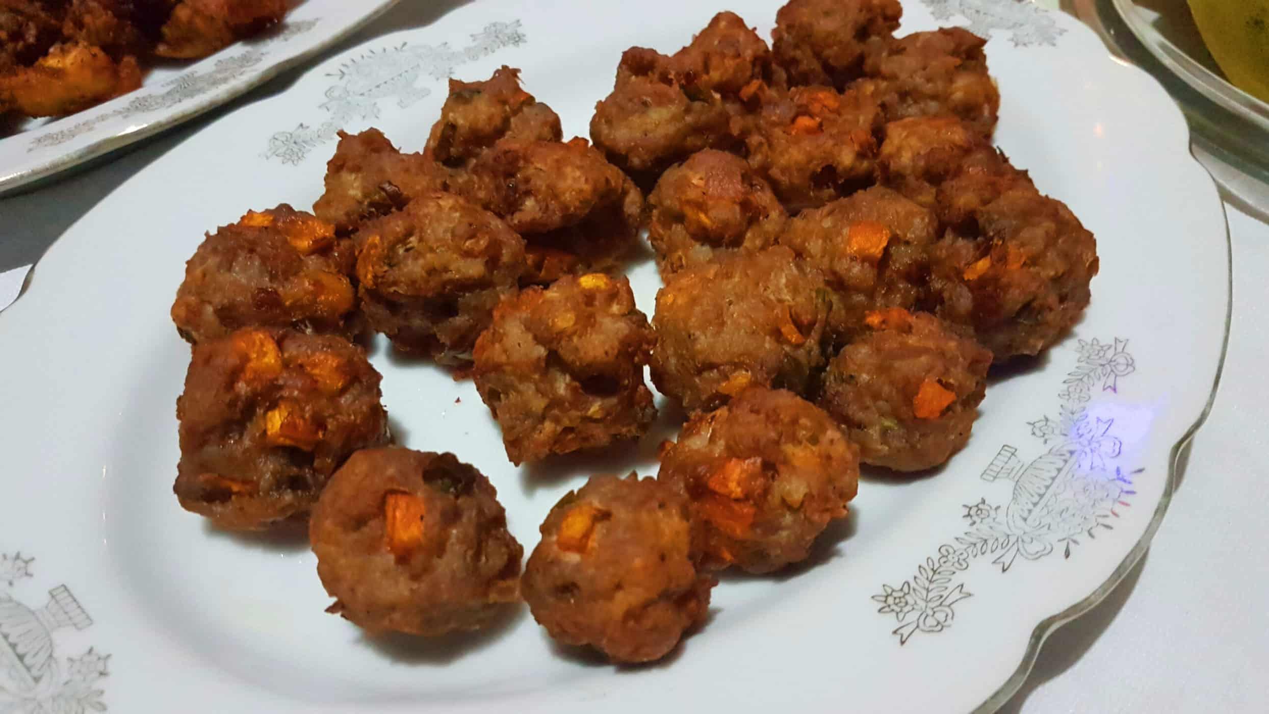Bola-bola (Filipino Meatballs)