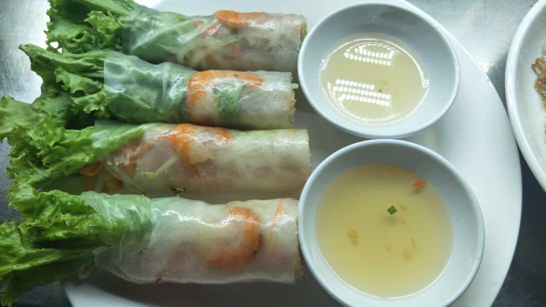 Pho-or-Goi-cuon-Vietnam-fresh-spring-rolls