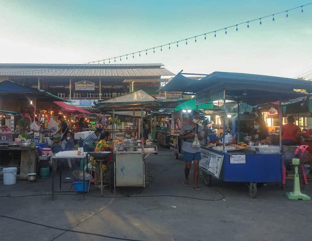 Thai night market by Sabrina Karré