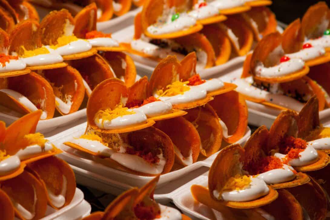 Khanom Bueang, Thai dessert.